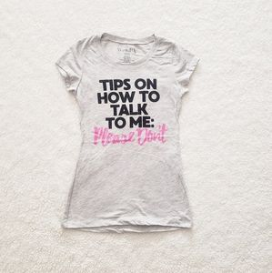 """""""Tips on How To Talk To Me"""" Graphic Tee"""